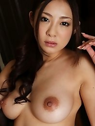 Slim and busty Japanese av idol Minori Hatsune shows her luxurious naked body