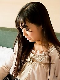 Sexy and sweet Japanese av idol Tomomi Motozawa shows her naked body as your girlfriend