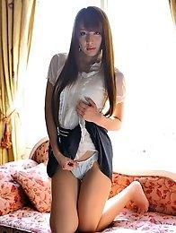 Sexy and hot Japanese av idol Jessica Kizaki wears schoolgirl's uniform