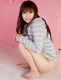 Japanese honey girl Kanade Otoha shows hairy pussy